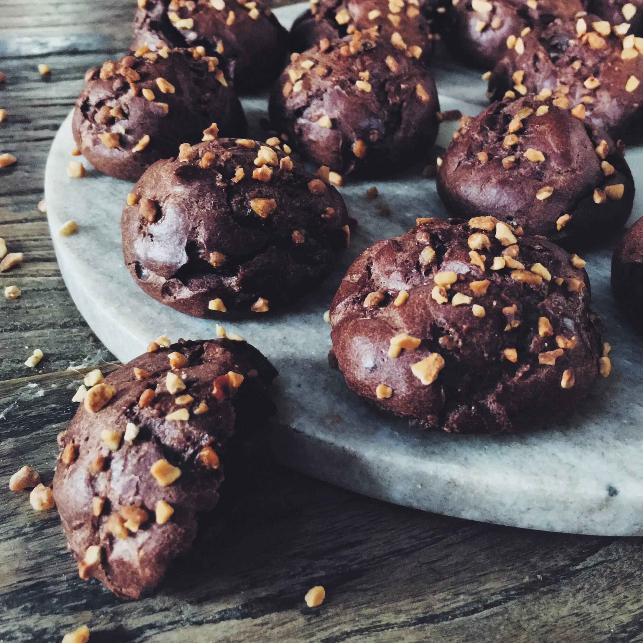 Juliette Lalbaltry - Chouquettes au chocolat et aux éclats de pralin